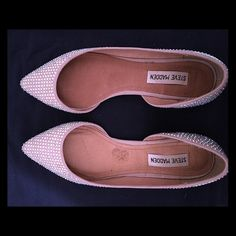 Steve Madden Flats Super cute Steve Madden Flats. They are 7.5 but run small. Love them though! Wore them once, but are too small. No crystals missing. Steve Madden Shoes Flats & Loafers
