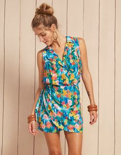 a422fbe4b135 Short sleeveless Floral Beach Dress Vestido Dora. Brunch In The CityFloral  ...