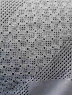 Hardanger Embroidery Tutorial G Types Of Embroidery, Embroidery Patterns, Machine Embroidery, Drawn Thread, Thread Work, Bordado Tipo Chicken Scratch, Chicken Scratch Embroidery, Hardanger Embroidery, Satin Stitch