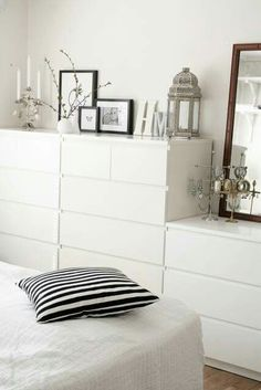 25 Minimalist Bedroom Styling Ideas for White Interiors is part of Ikea bedroom Storage - Decorating and styling ideas that will definitely keep your bedroom cozy and stylish Minimalist Bedroom, Minimalist Home, Minimalist Interior, Bedroom Furniture, Bedroom Decor, Bedroom Ideas, Bedroom Lighting, Bedroom Drawers, Bedroom Apartment