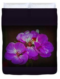 Flower Duvet Cover featuring the photograph Geranium Blossom by Hanny Heim