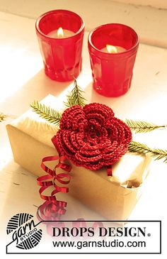 Free Pattern. Ravelry: 0-732 Flowers for Christmas in Cotton Viscose and Glitter pattern by DROPS design