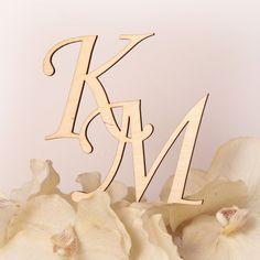 Drewniany, wycinany laserowo monogram na tort weselny - nowość i hit sezonu!