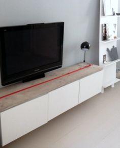 een simpel wit tv meubel en wil je er iets anders mee? Koop een houten ...