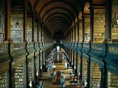 Funny pictures about Trinity Library in Dublin. Oh, and cool pics about Trinity Library in Dublin. Also, Trinity Library in Dublin photos. I Love Books, Good Books, Books To Read, My Books, Trinity Library, Trinity College Dublin, Book Of Kells, Old Libraries, Cs Lewis