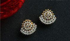 Saved by radha reddy garisa Diamond Earrings For Women, Diamond Earing, Diamond Studs, Diamond Necklaces, Jewelry Design Earrings, Gold Earrings Designs, Jewellery Designs, Royal Jewelry, Indian Jewelry