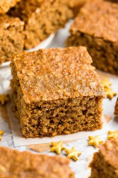 {HEALTHY} Gingerbread Oatmeal Snack Cake -- only 101 calories! Perfect for breakfast too! Cozy, tender, flavorful... The BEST gingerbread cake I've had! And it's unbelievably easy to make -- no mixer required! #healthy #recipe #gingerbread #christmas #holidays #glutenfree #cleaneating #snack