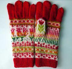 Ravelry: Rooster Gloves pattern by Natalia Moreva