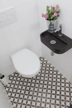 Cementtiles Toilet - Circle of life Blanc - Project van Designtegels.nl