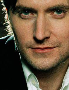 oh dear lord those eyes!!.