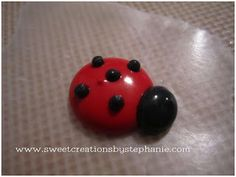 Tutorial: Royal Icing Lady Bugs