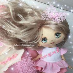 Girls Dresses, Flower Girl Dresses, Doll Painting, Child Doll, Doll Face, Summer Outfits, Velvet, Children, Wedding Dresses