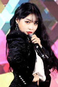CHUNGHA Chung Ah, Kpop Boy, Kpop Girls, K Pop Music, Sistar, Girl Bands, Kpop Girl Groups, Korean Girl, Asian Girl