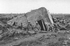 Flandern 1. Weltkrieg: Ein zerstörter deutscher Betonunterstand