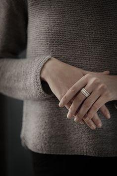 Gestrickter Schmuck in Silber / Knit Jewelry by Anne-Catherine Lüke