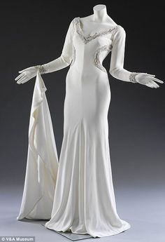Moss polyester crepe wedding dress, Bruce Oldfield worn by Lisa Butcher, 1992... http://dailym.ai/SaYVWZ#i-ab250e83