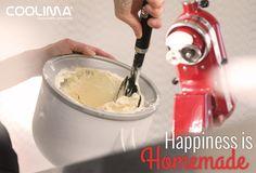 Happiness is Homemade! Einfach selber machen! Bis zu 1,9 Liter Softeis, Sorbet oder gefrorener Nachtisch mit der KITCHENAID Speiseeismaschine KICA in 20 bis 30 Minuten. Die Kühlflüssigkeit in der doppelwandigen Schüssel sorgt dabei für ein gründliches und gleichmäßiges Gefrieren während der Verarbeitung.