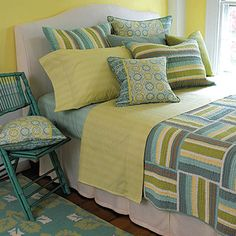 pictures+of+cream+colored+quilts | Light Blue-Green Color Schemes, Modern Bedroom Colors