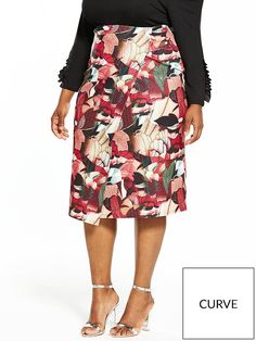 Lost Ink Curve Pencil Skirt Brighten up your work-drobe and dress up your evenings even more with this beautiful floral collage pencil skirt by Lost Ink Curve. Covered in a smattering of flirty florals, the all-over print adds splashes of autumnal-inspired hues, while the classic pencil cut skims your curves, showing off your enviable hourglass silhouette for a sexy finish.Keep the rest of your look simple. Try tucking in a black bardot top and adding two part sandals for a lovely date night…