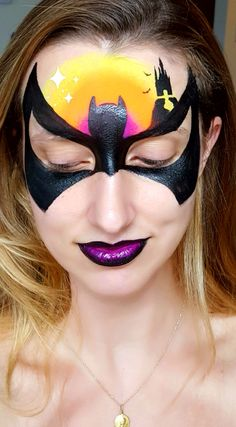 Batman by Noelle Perry Face Painting Images, Face Painting Tips, Adult Face Painting, Face Painting Designs, Face Paintings, Batgirl Face Paint, Batman Girl, Halloween Makeup Looks, Face Design