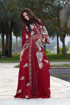 Arabic dresses are just so beautiful