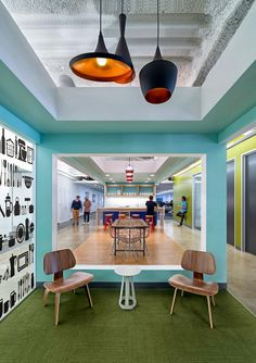 Open Table Headquarters Designed by One Workplace - Mid-century modern Eames plywood chairs meet DIRTT interior construction. Cool Office Space, Office Space Design, Office Workspace, Office Interior Design, Office Spaces, Work Spaces, Small Office, Corporate Interiors, Corporate Design