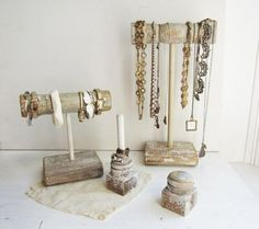 Jewelry prop idea for a casual, beach or boho vibe. Good to use at a craft fair.