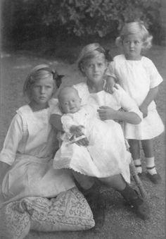 Prince Philip's sisters Margarita, Theodora, Cecilia and Sophia in 1914