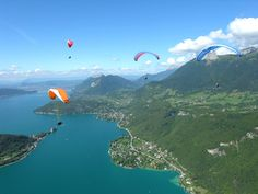 PARAGLIDING ANNECY AEROSLIDE - Flight paragliding Lake Annecy or glider Lake Annecy, Annecy France, Rando, Base Jumping, France Europe, Paragliding, Skydiving, Extreme Sports, Life Goals