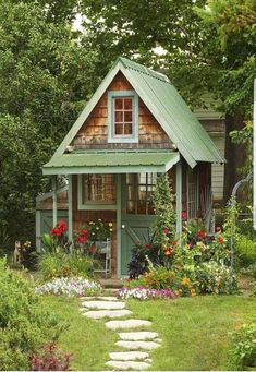 The Rule for Small Cottage House Plan Ideas Cabin house plans are typically little and are just one, or maybe one-and-a-half stories tall. Bungalows started in Medieval Europe as lodging for hom. Small Cottage House Plans, Small Cottage Homes, Cabin House Plans, Cute Cottage, Small Cottages, Tiny House Living, Small House Plans, Cottage Ideas, Small Cabins