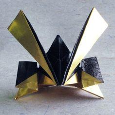 おりがみ兜の色々4 - 縁日草子 Boys Day, Child Day, Origami, Paper Clay, Paper Art, Cardboard Crafts, Paper Crafts, Fun Crafts, Diy And Crafts