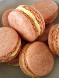 Sabor Saudade: Macarons de morango e creme de amburana