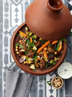 Lamm-Tajine Rezept - My list of the best food recipes Lamb Tagine Recipe, Tagine Recipes, Good Food, Yummy Food, Tasty, Spicy Stew, Healthy Dinner Recipes, Cooking Recipes, Vegan Meal Prep