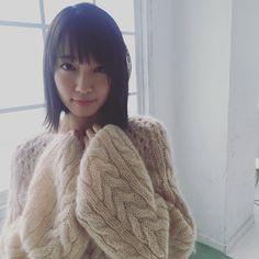 吉岡里帆707 Girl G, Japanese Love, Angora Sweater, Skinny Girls, Kawaii Cute, Trending Topics, Pretty Woman, Asian Beauty, Cute Girls