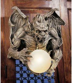 Medieval Twilight Gargoyle Rage Wall Light. Gothic Home Decor Products-Displays