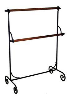 Handtuchhalter im Vintage Look Dunkelrstfarben Masse: 89x70x34 cm.