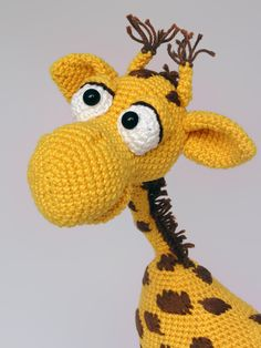 Amigurumi pattern for Geoffrey the giraffe by designer IlDikko
