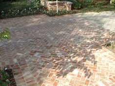 """Masonry paving is a horizontal surface laid with flat stones or brick pavers as well as cobblestone or concrete interlocking pavers. Brick pavers are often laid in """"fancy patterns"""" such as a baske. Brick Driveway, Brick Paver Patio, Brick Paving, Paver Walkway, Concrete Walkway, Driveway Edging, Concrete Patios, Cobblestone Patio, Paved Patio"""