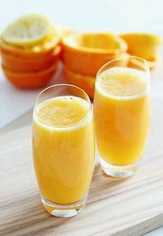 freshly squeezed orange juice, the best choice for you, before breakfast Fruit Drinks, Smoothie Drinks, Yummy Drinks, Smoothie Recipes, Smoothies, Juice Drinks, Beverages, Raw Food Recipes, Great Recipes