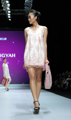 IFW 2013 # 223 Suheni Estuningyah – Classic Romantic Indonesia Fashion Week, Romantic, Classic, Cute, Dresses, Derby, Vestidos, Kawaii, Romance Movies