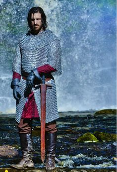 Welcome to Gwaine's World! Thanks to the talented Eoin Macken, Sir Gwaine has brought humour, fun and fabulous hair to Camelot, as well as sexy swordfighting and hugging Merlin! Gwaine Merlin, Merlin Cast, Bbc Tv Shows, Bbc Tv Series, Eion Macken, Robert Hardy, Tom Hopper, Merlin Fandom, Emma Thompson