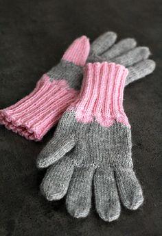 En ole k. Knitting Socks, Knit Socks, Knitting Accessories, Mittens, Knitting Patterns, Knit Crochet, Gloves, Sewing, How To Make