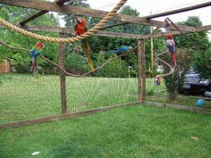 building an outdoor aviary for parrots Parrot Pet, Parrot Toys, How To Build Abs, Build Stuff, Bird House Kits, Bird Aviary, How To Attract Birds, Kinds Of Birds, Bird Cages