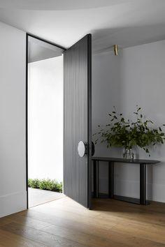 Art-Deco Inspired & Hawthorn House by Christopher Elliott Design & Issue 02 Feature & Melbourne, VIC, Australia Modern Entrance Door, Entrance Design, Front Door Design, House Entrance, Modern Door Design, Modern Front Door, Front Door Entrance, Grand Entrance, Detail Architecture