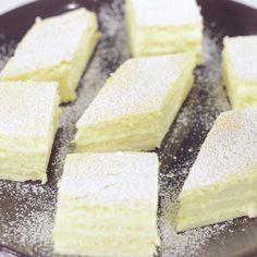Prajitura Alba ca zapada - Reteta video Romanian Desserts, Romanian Food, Romanian Recipes, Feta, Sweet Treats, Recipies, Deserts, Dairy, Yummy Food