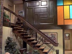 Ever since I can remember, I've wanted to live in the Brady Bunch house. While I still can't understand why a well-off architect couldn't f. The Brady Bunch, 1970s Decor, Home Tv, House Stairs, Mid Century House, Mellow Yellow, Midcentury Modern, Glass Door, Interior And Exterior