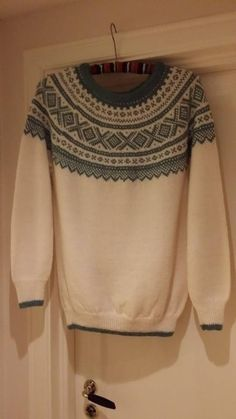 Mariusgenser fargeinsirasjon Crocheting, Pattern Design, Knit Crochet, Women's Fashion, Patterns, Sewing, Knitting, Blouse, Sweaters