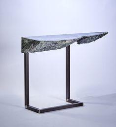 Le meilleur du PAD Paris 2017 : Gérard Kuijpers, console en marbre vert d'Italie (Galerie Gastou)