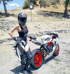 I ♡ the bike sooooooo much. Lady Biker, Biker Girl, Custom Street Bikes, Motorbike Girl, Biker Chic, Moto Bike, Super Bikes, Bike Life, Girls