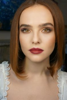 Zoey Deutch's Red Lipstick From The 2019 Chanel Dinner Is So Easy To Recreate Spring Eye Makeup, Lip Sence, Zoey Deutch, Makeup For Moms, Ginger Hair, Cara Delevingne, Red Lipsticks, Pretty Hairstyles, Lip Colors